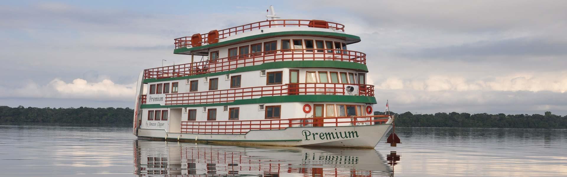 Planes para viajar al Amazonas y navegar en el río