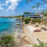 Playa y mar de Curazao