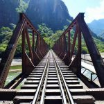 Viaje en tren desde Ollantaytambo a Machu Picchu