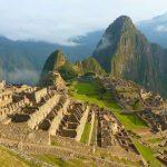 Vista de la ciudadela de Machu Picchu y Huayna Picchu
